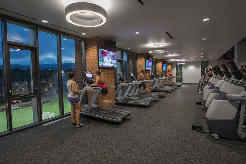 Students in the workout center in the Cregger Center