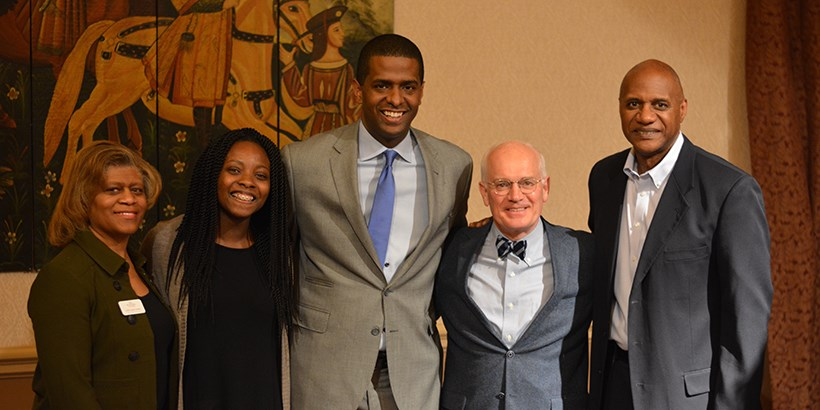 Bakari Sellers with faculty, staff and students
