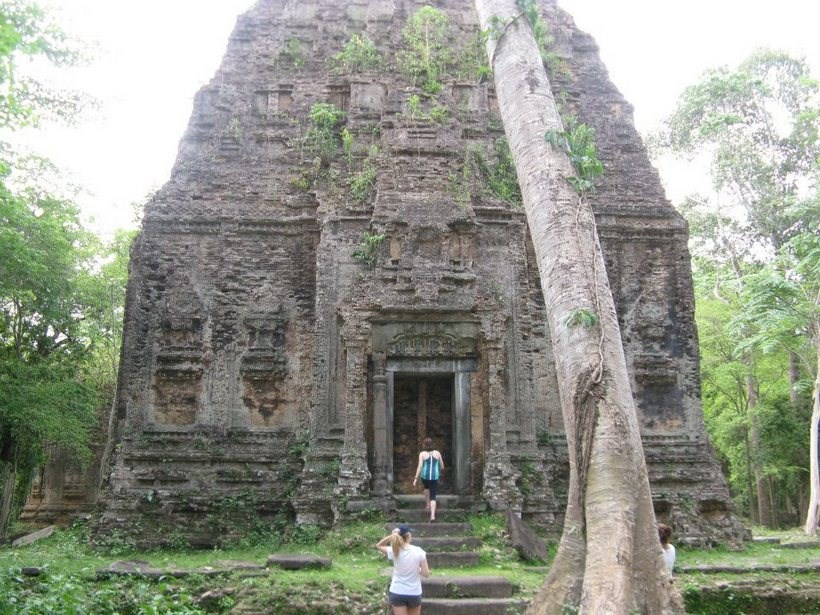 Students entering Cambodian ruins