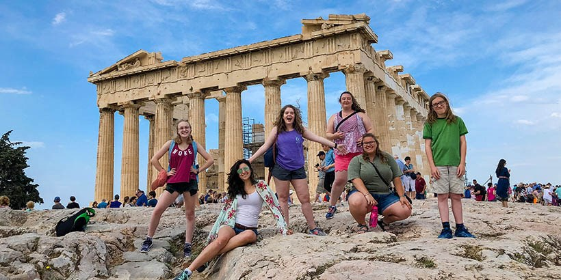 Students in front of the parthenon in Greece