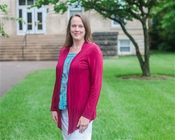 Professor brings industry experience into her teaching
